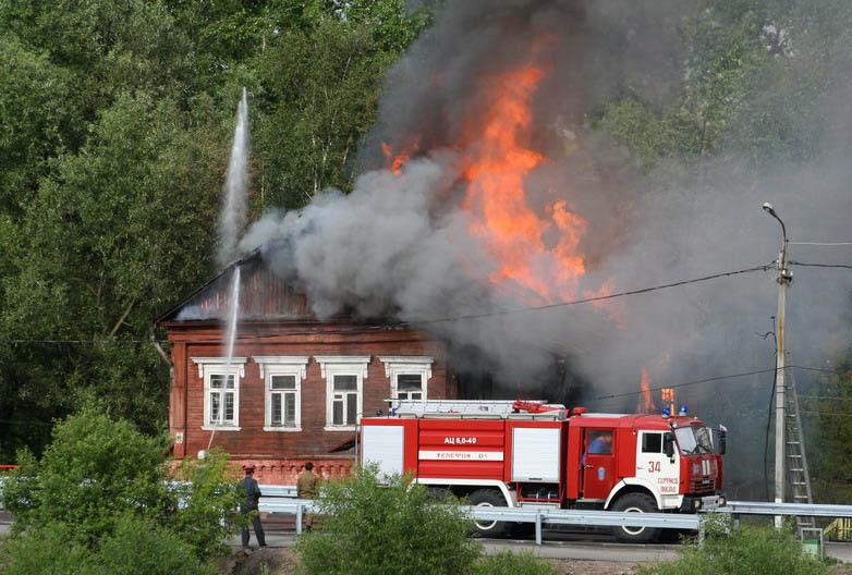 В Михайлове сгорел дом