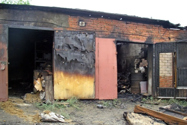 В Михайлове сгорел гараж