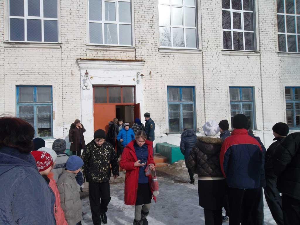 Инструктаж о мерах пожарной безопасности и тренировка по эвакуации в Чапаевской школе-интернат