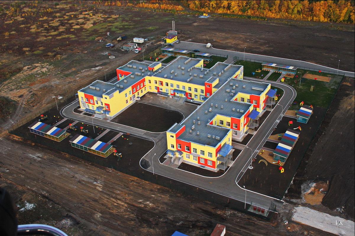 Губернатор Рязанской области Олег Ковалёв осмотрел строящийся детский сад в Михайлове